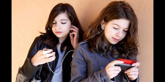 impact of social media on youth essay pdf